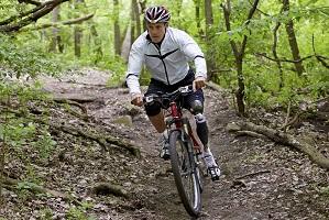 fietsen met beenprothese